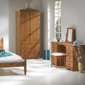 Scandi Double Dressing Table in Pine
